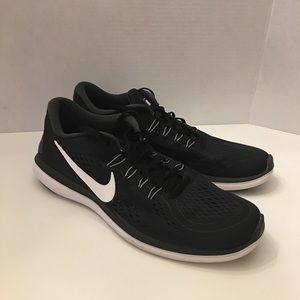Nike Shoes 🖤